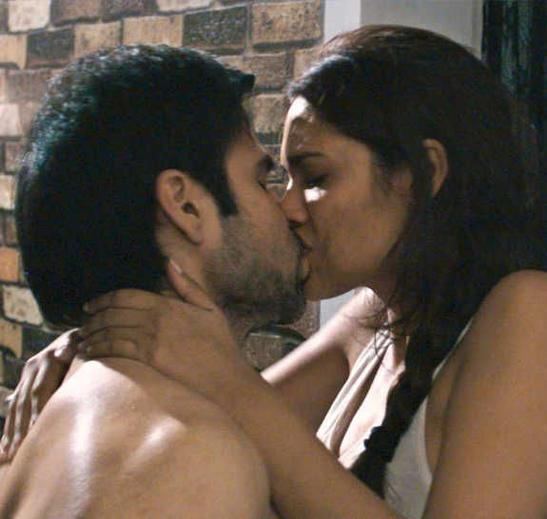 Emraan and Esha Hot Scene In Raaz 3