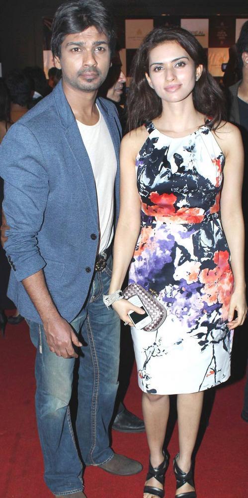 Nikhil Dwivedi With Wife Gauri at AVIBFW 2012 Finale Show