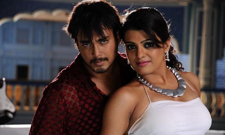 Tashu Kaushik and Tanish Hot Still From The Movie Abbai