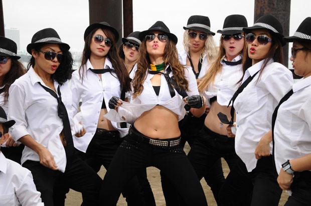 Tamanna Bhatia Sexy Dance Still In Rebel Movie