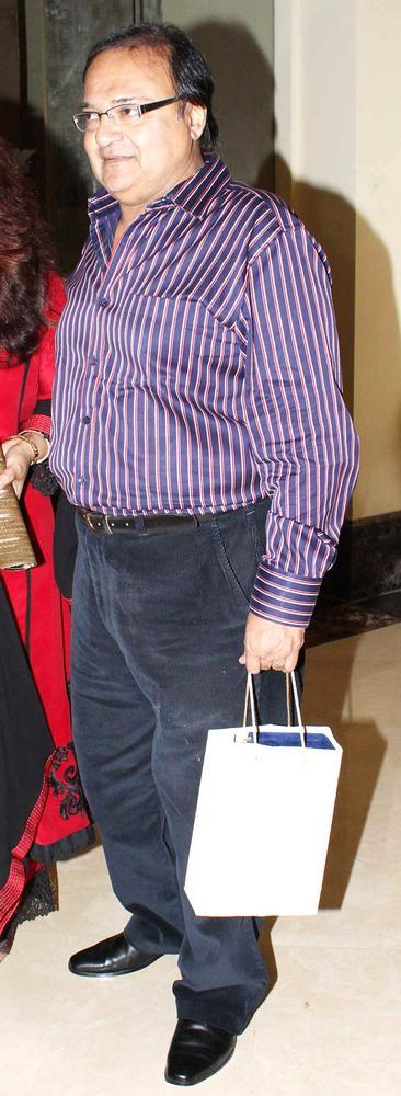 Rakesh Bedi Snapped At Shashi And Anu Ranjans 25th Anniversary Bash