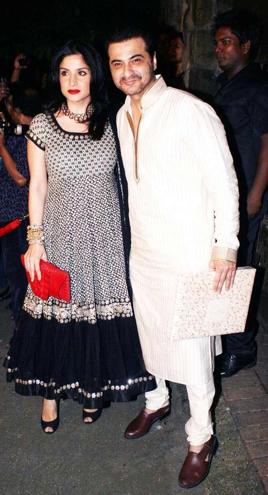 Sanjay With Wife Maheep At Saif And Kareena Sangeet Ceremony