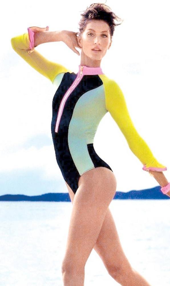 Gisele Bundchen Sexy Still In Swim Suit