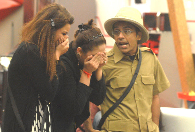 Vrajesh And Other Contestants Are In Bigg Boss