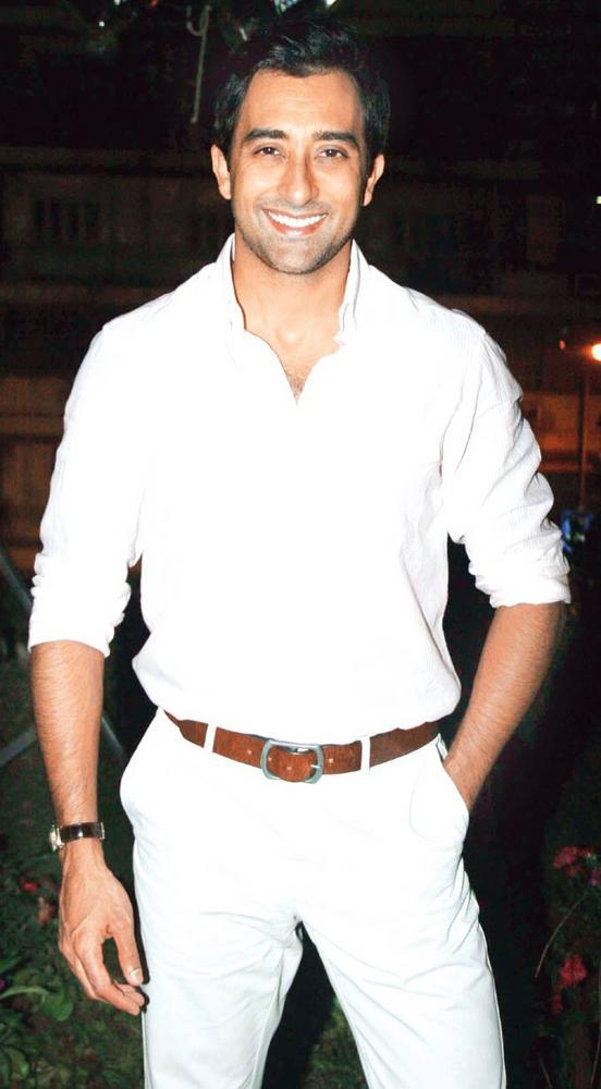 Rahul Khanna At Awareness Event Of Breast Cancer