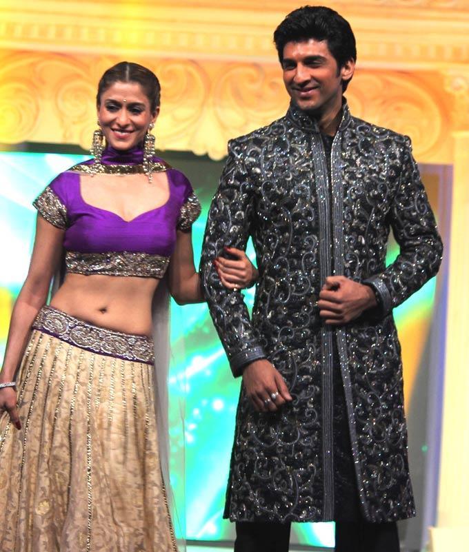 Shilpa With A Friend Walks On Ramp At Gitanjali ITA Fashion Show