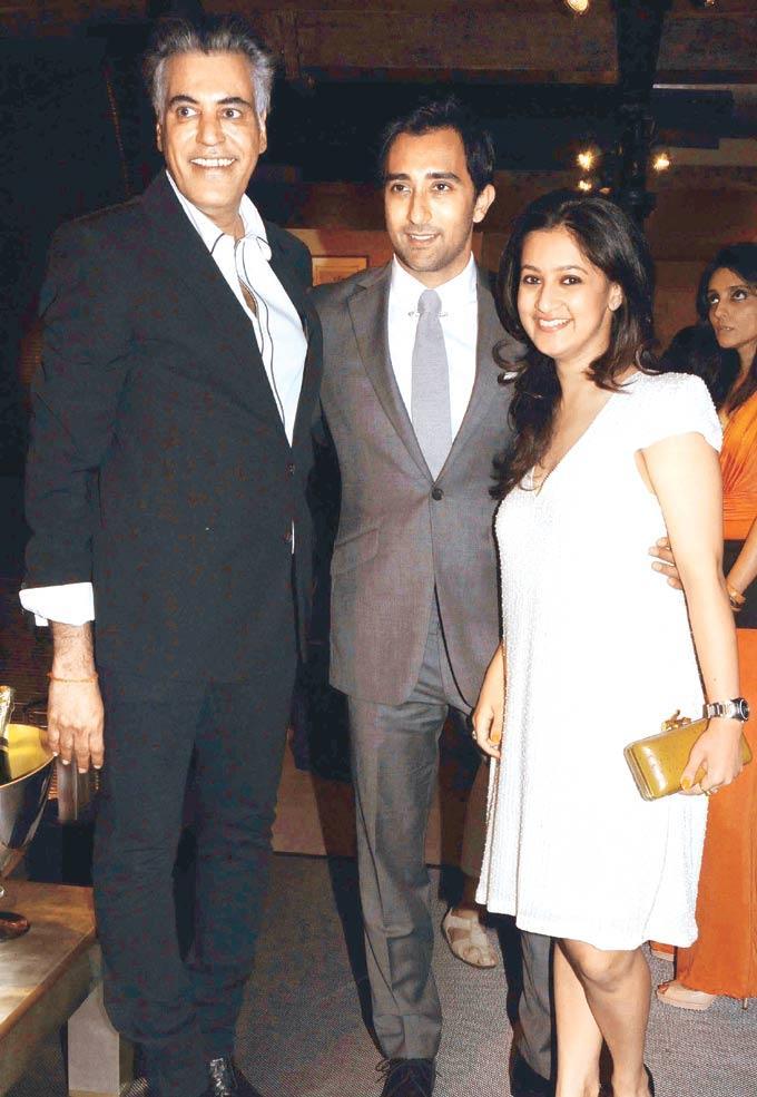Abu,Rahul And Saudamani Snapped At The Launch Of International Furniture Brand Store