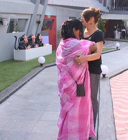 Sampat And Urvashi In The Bigg Boss House