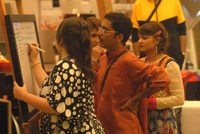 Vrajesh And Delnaaz Prepare A Plan For Evening In The Bigg Boss House