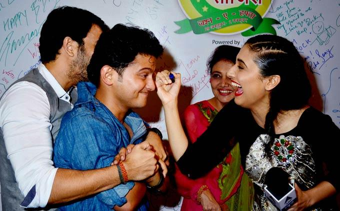 Ragini Khanna Engages In Some Mischief At The Saas Bahu Aur Saazish Success Bash
