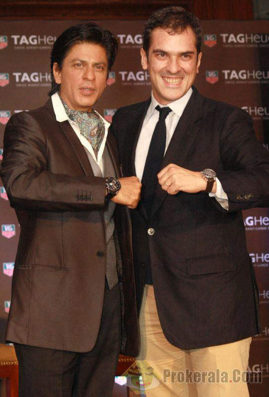 Shahrukh Khan Posed For Camera At Tag Heuer Carrera Collection 2012 Launch