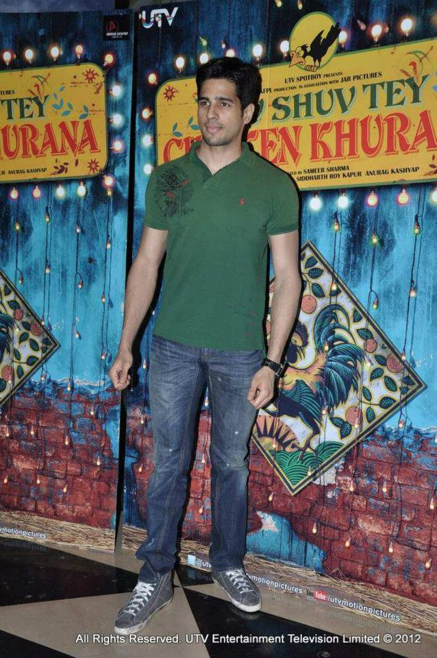 Siddharth During The Premiere Of Luv Shuv Tey Chicken Khurana