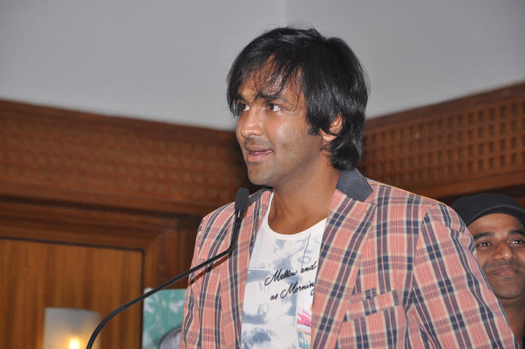 Vishnu Manchu At Maranthen Mannithen Movie Audio Launch