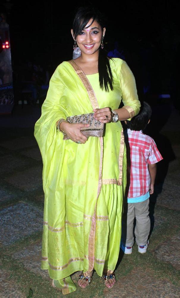 Shruti Smiling Pose During The Birthday Bash Of Ashutosh Rana