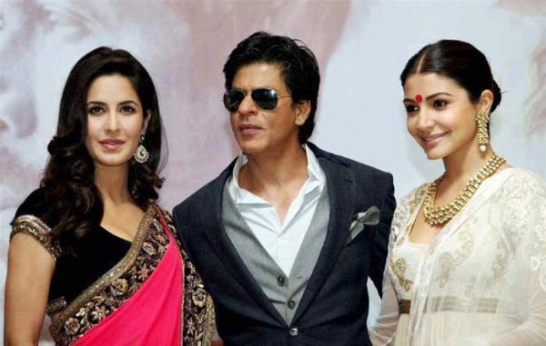 Katrina,Shahrukh And Anushka Posed For Camera At The Kolkata Film Festival