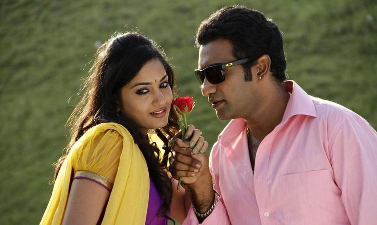 Tarakaratna And Madhavi Sizzling And Attractive Still From Chudalani Cheppalani Movie