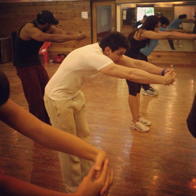 Bipasha With Friends Photo Clicked At Gym During Trial Session