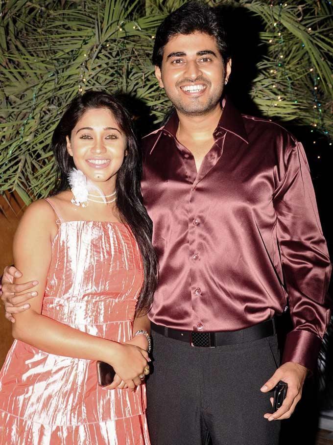 Yash And Amrapali Stunning Look Still