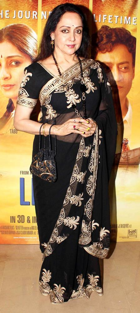 Hema Malini Gorgeous Look At The Premiere Of Life Of Pi