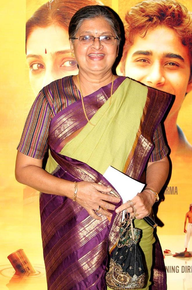Sulbha Arya Smiling Pose At The Premiere Of Life Of Pi