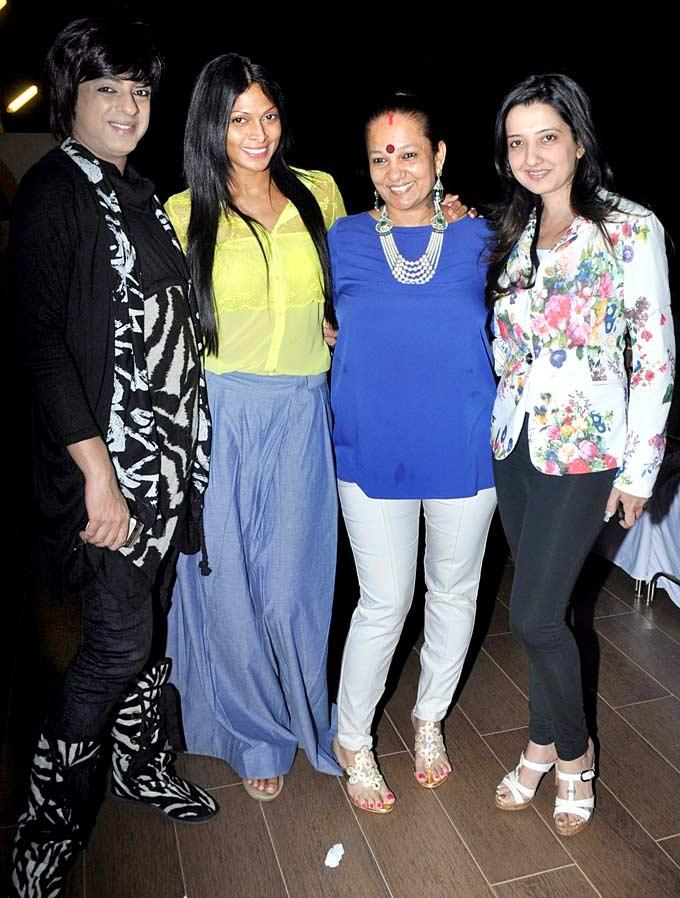 Rohit,Nina,Dorris And Amy Photo Clicked At Jesse Randhawas Birthday Bash