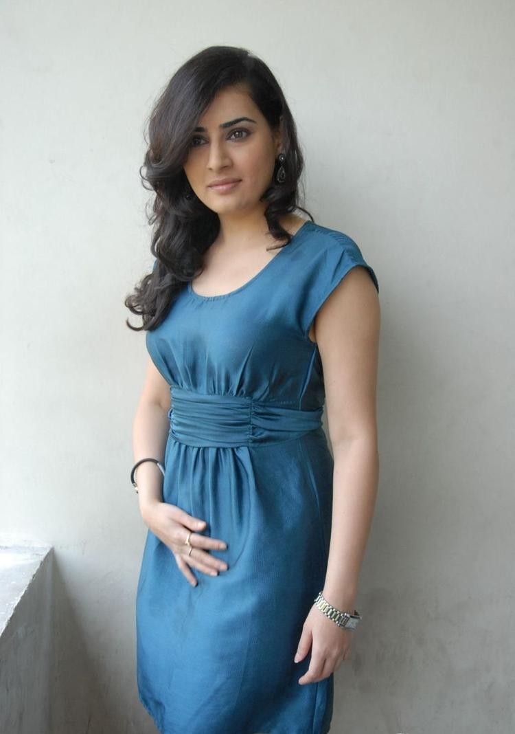 Archana Glamour And Stylish Look Photo Shoot