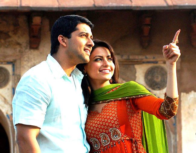 Aamna Sharif And Aftab Shivdasani in Aloo Chaat Film