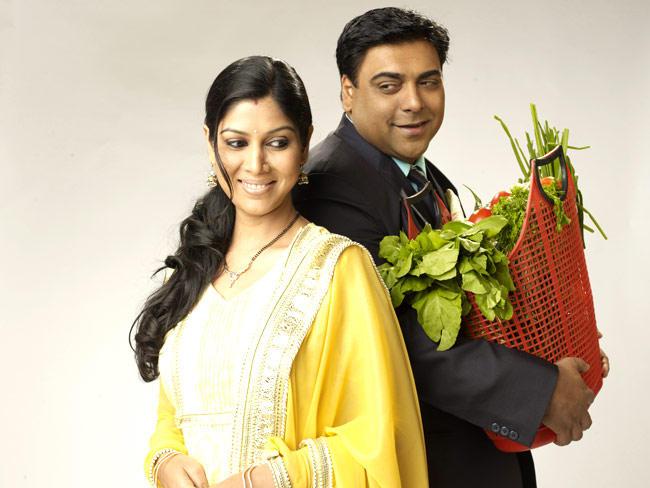 Ram And Sakshi Smiling Look In Bade Achhe Lagte Hain Wallpaper