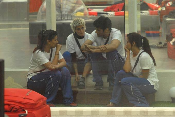 Sapna,Mink,Niketan And Sana The Blue Team Photo On Day 58 In Bigg Boss 6