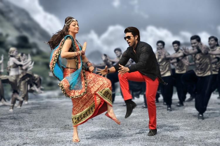 Ram Charan And Kajal Exclusive Dancing Pose Photo From Nayak Movie