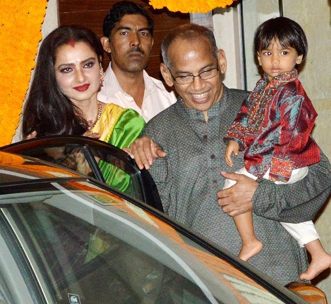 Vidyas Idol And Bollywood Star Rekha At The Mehendi Ceremony