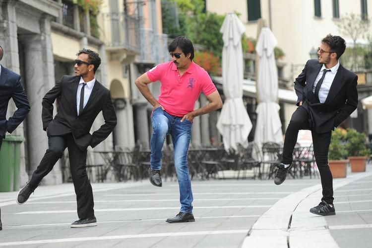 Ravi Teja Dancing Pose Still From Sarocharu Movie
