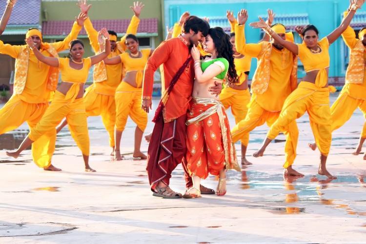 Srinivas And Aksha Romantic Dancing Scene From Rye Rye Movie