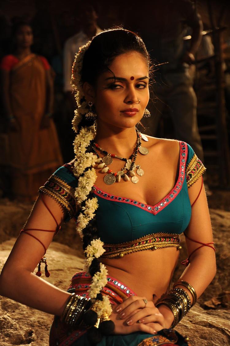 Nathalia Spicy Pose Photo In Telugu Movie Dhalam Item Song