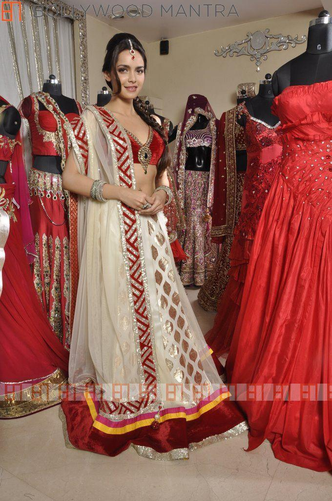 Shazahn Looked Radiant And Beautiful In Bridal Outfit For Luv Israni's Photo Shoot