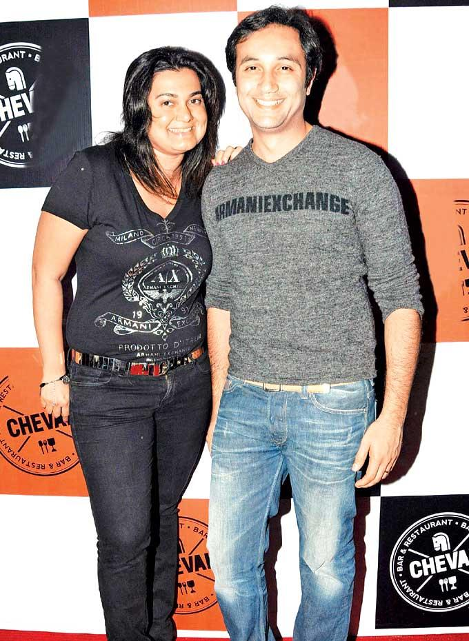 Aditya And Divya Nice Smiling Photo Clicked At Cheval Bar And Restaurant Launch Party