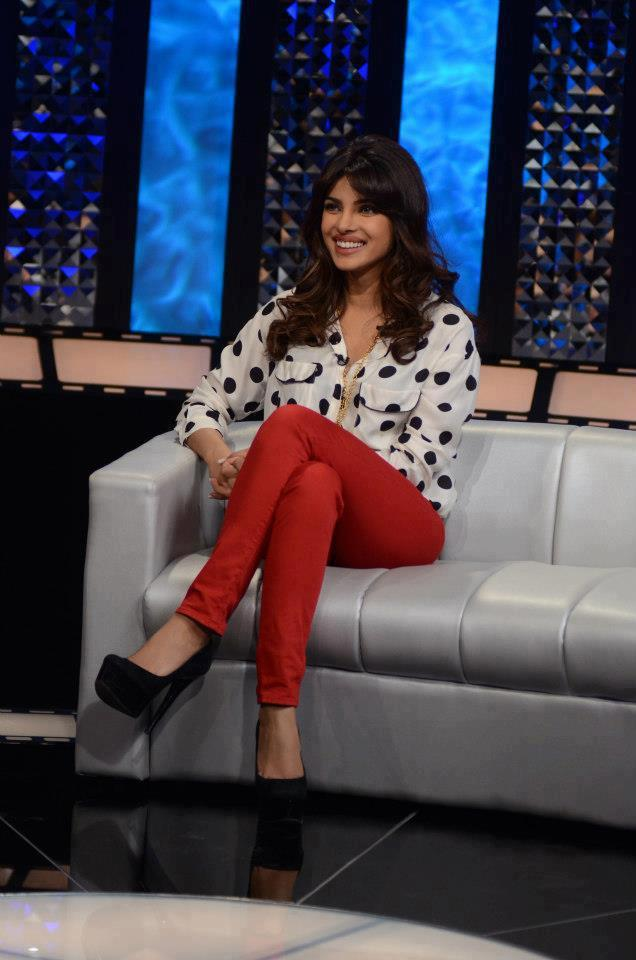 Priyanka Chopra Nice Look Still On The Front Row Show