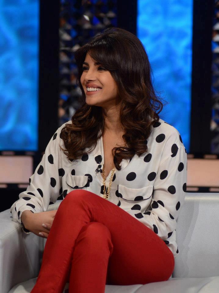 Priyanka Chopra Smiling Still On The Front Row Show