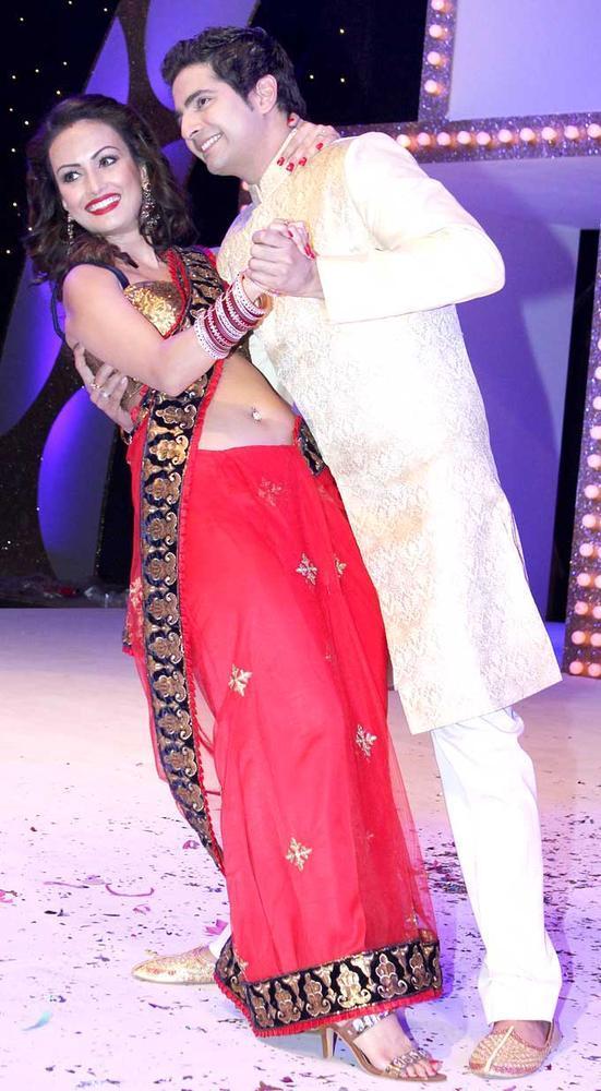 Karan And Hot Nisha Rawal Photo Clicked At The Launch Of Nach Baliye Season 5