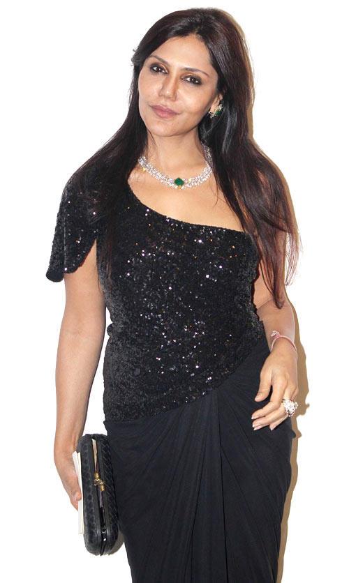 Nisha Looked Ravishing In A Black Ensable At Karishma Tannas Birthday Bash