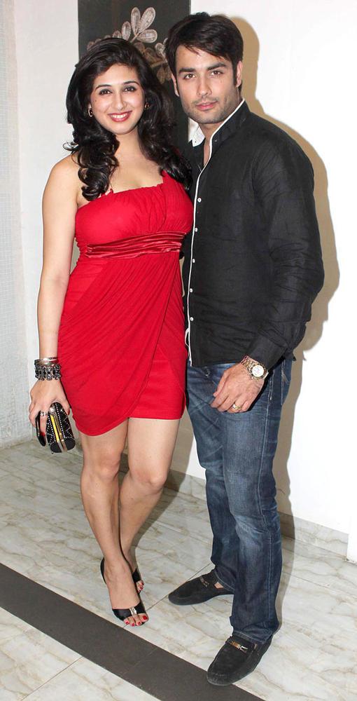 Vivian With Wife Vahbiz Sizzling Photo Pose At Karishma Tannas Birthday Bash