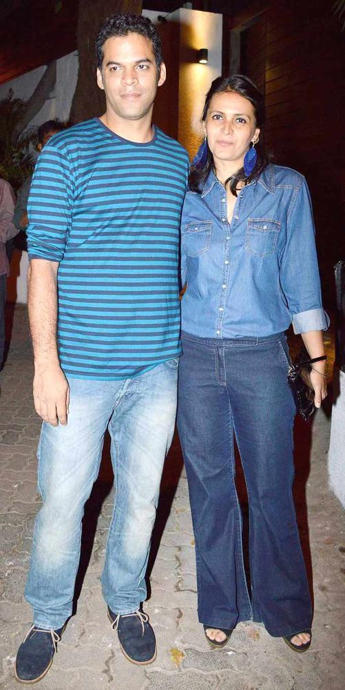 Vikramaditya With Wife Ishika Posed For Camera At Imran Khans Housewarming Party