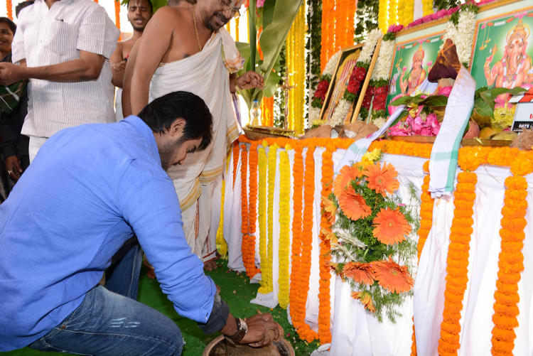 Aadi Puja Photo At His New Movie Launch Event
