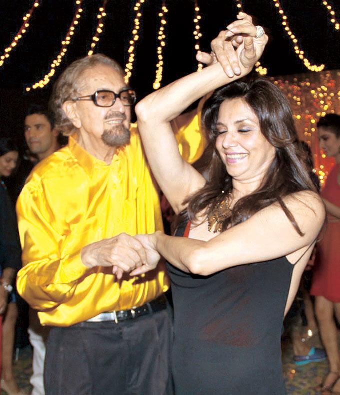 Alyque Padamsee And Lillete Dubey Dancing Still At Raell Padamsee Christmas Bash