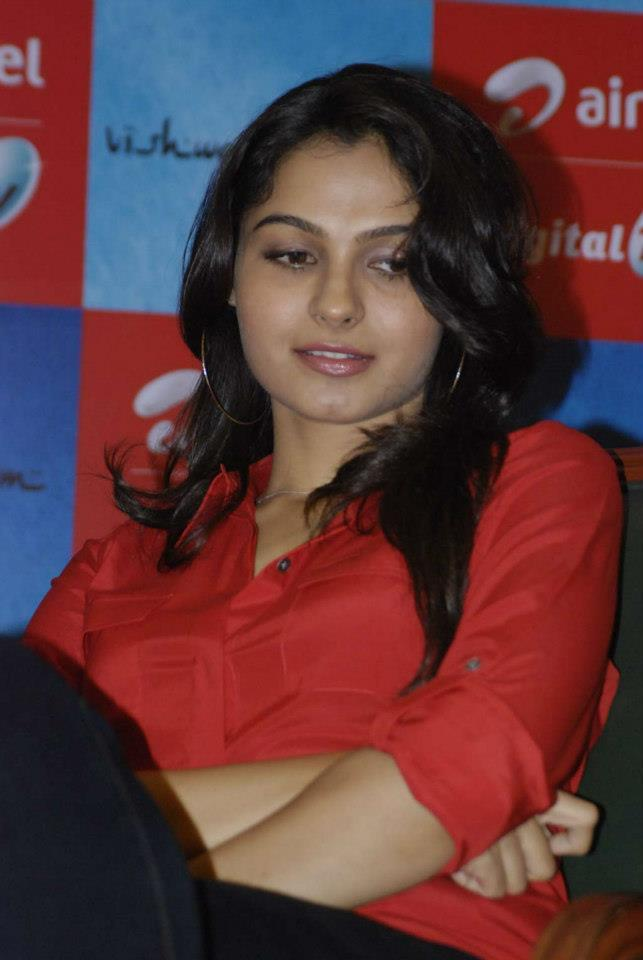 Andrea Sizzling Photo Clicked At Airtel DTH TV Launch To Promote Movie Vishwaroopam