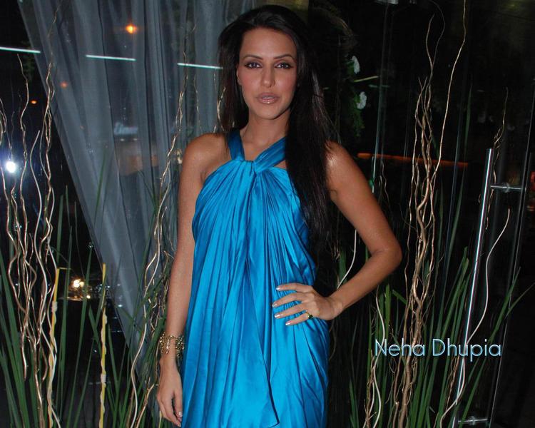 Neha Dhupia Sexy dress Glamour Wallpaper