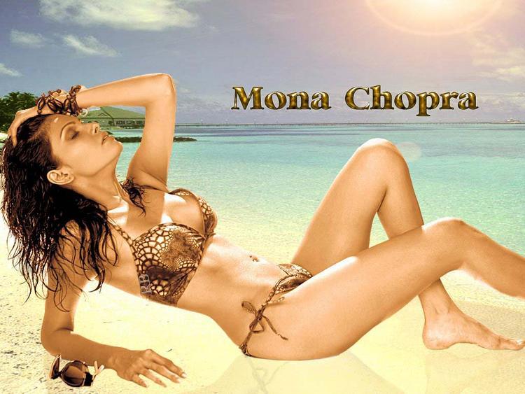 Mona Chopra Expose Her Sexy Milky Things