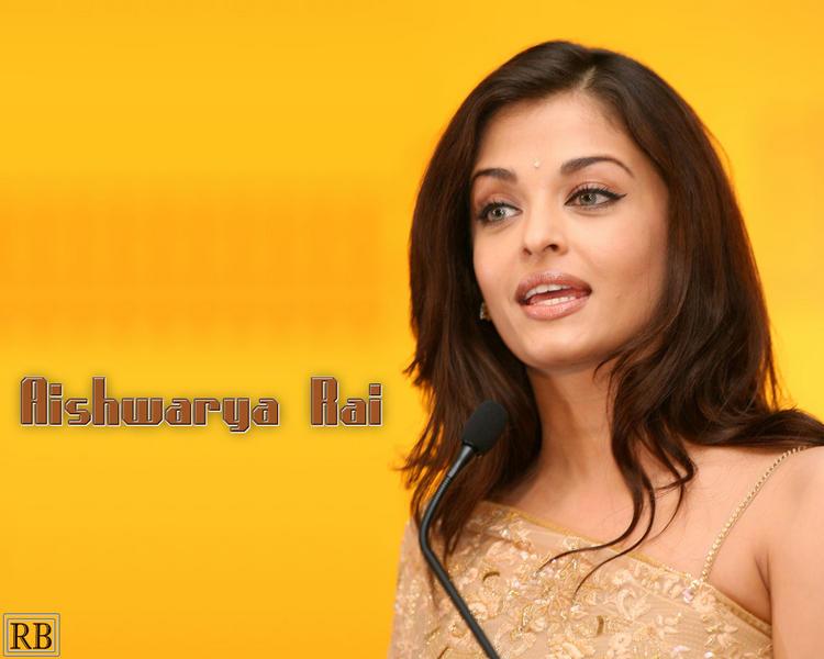 Pretty Aishwarya Rai Wallpaper