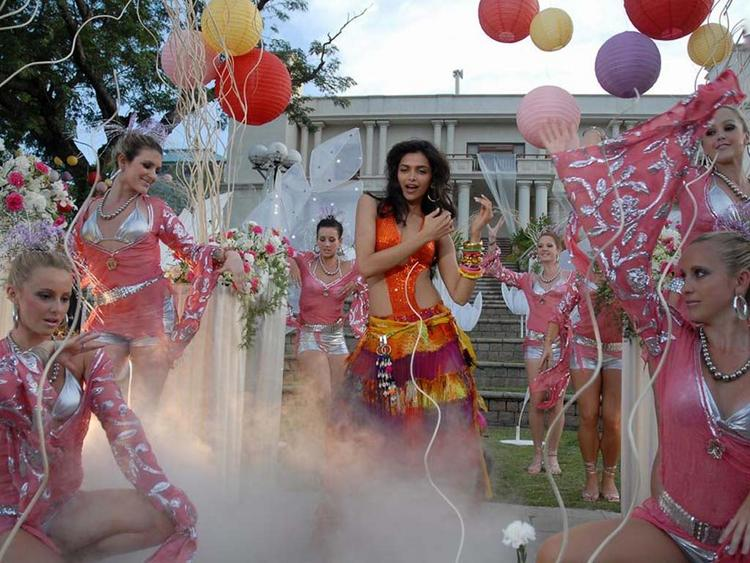 Deepika Padukone Dancing Photo