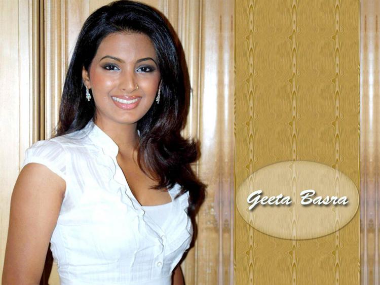Geeta Basra Beauty Smile Face Wallpaper